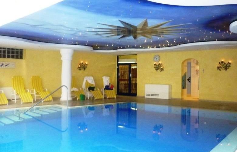 Norica Hotel - Pool - 5