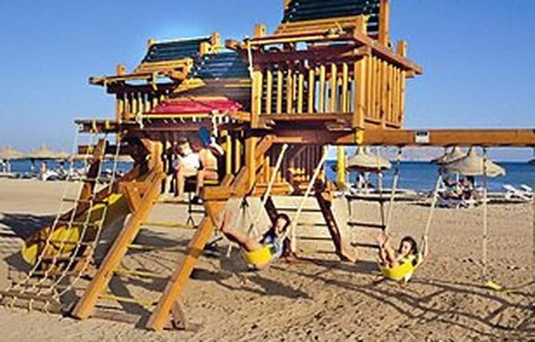 Baron Palms Resort - Beach - 3