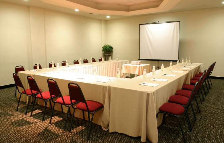 Antarisuite Galerías - Conference - 13