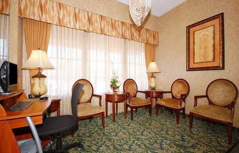 Best Western Airport Plaza Inn - Hotel - 2
