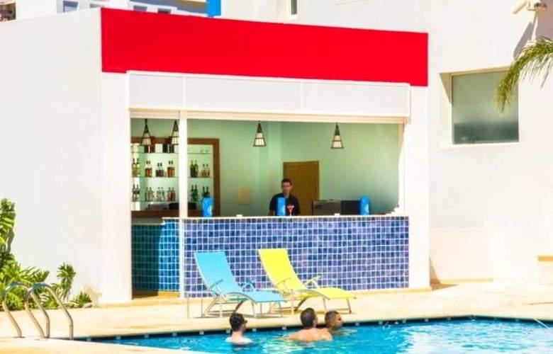 Ramada Encore Tangier - Pool - 7