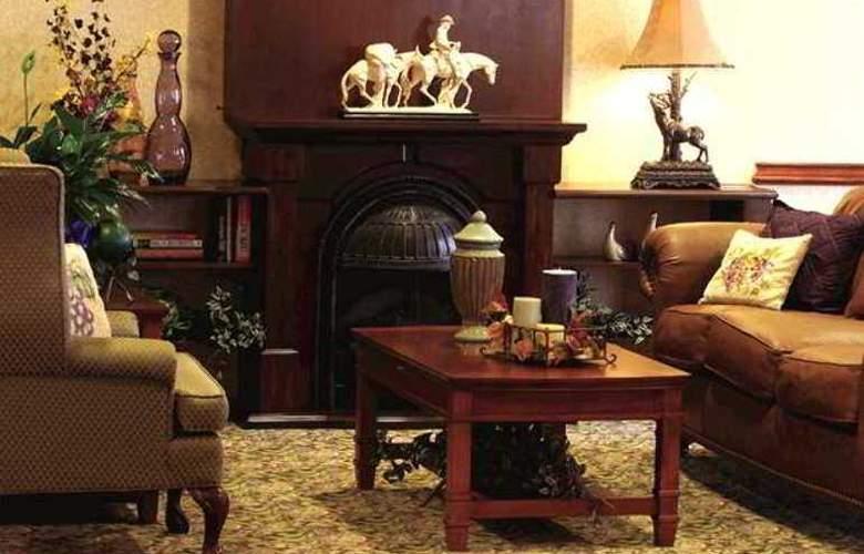 Hampton Inn Brownwood - Hotel - 10
