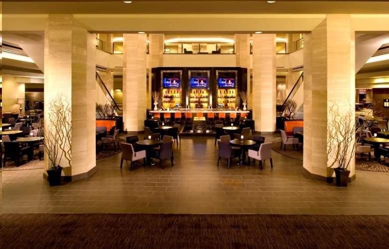 Hilton Anaheim - Bar - 1