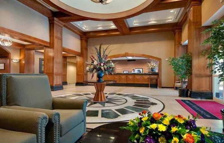 Hampton Inn and Suites Boise/Spectrum - Hotel - 1
