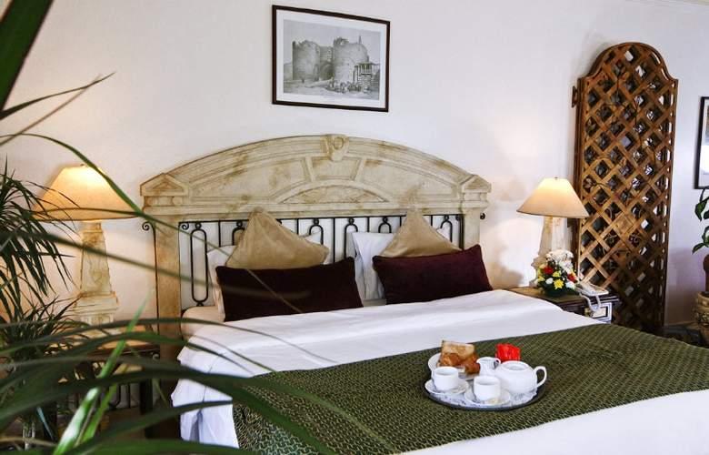Landmark Suites Ajman - Room - 4