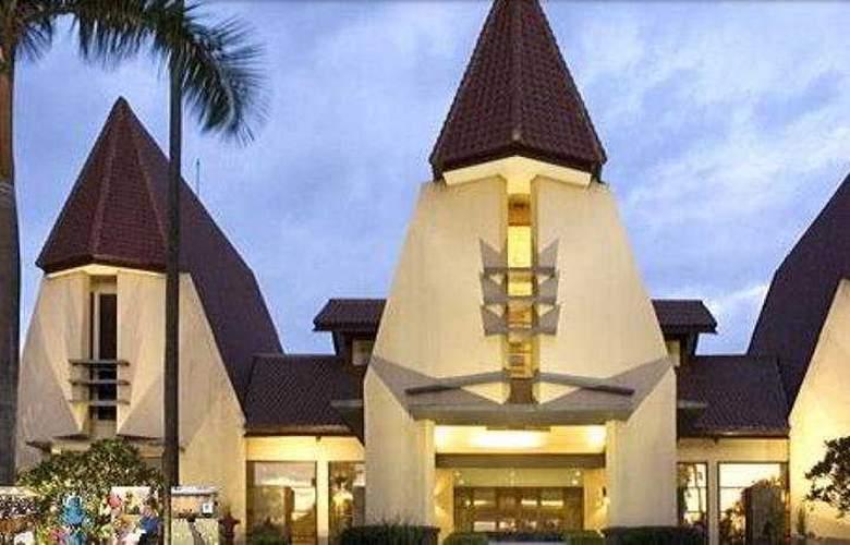 Novotel Surabaya Hotel and Suites - General - 2