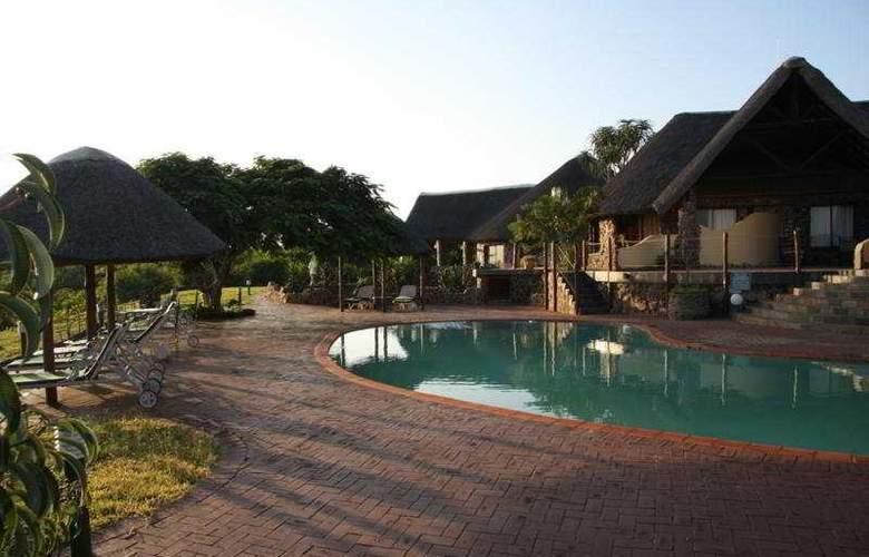 Zulu Nyala Heritage Safari Lodge - Pool - 0