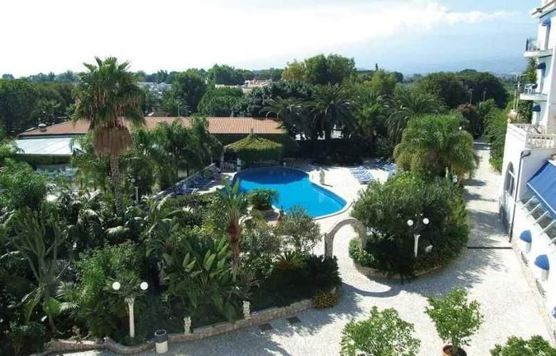 Sant Alphio Garden - General - 2