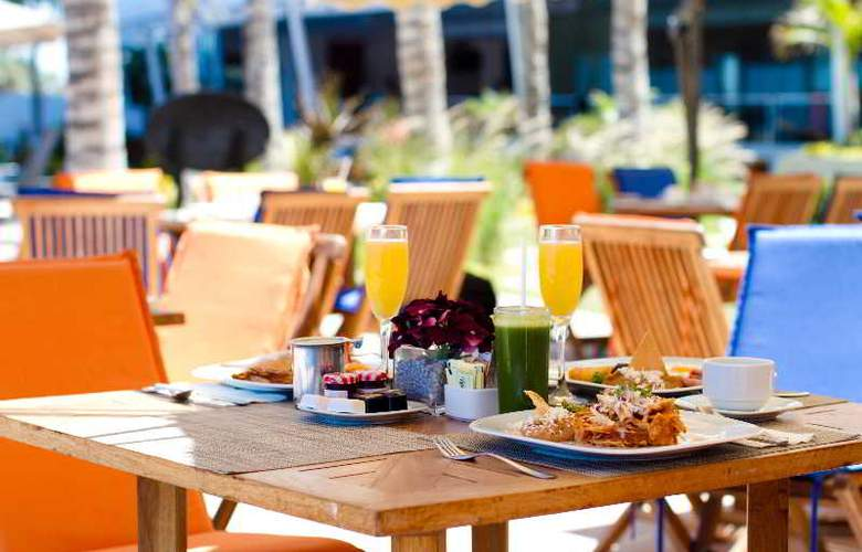 Crowne Plaza Resort Mazatlan - Restaurant - 51