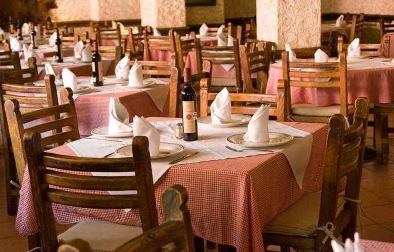 Posada Viena - Restaurant - 12