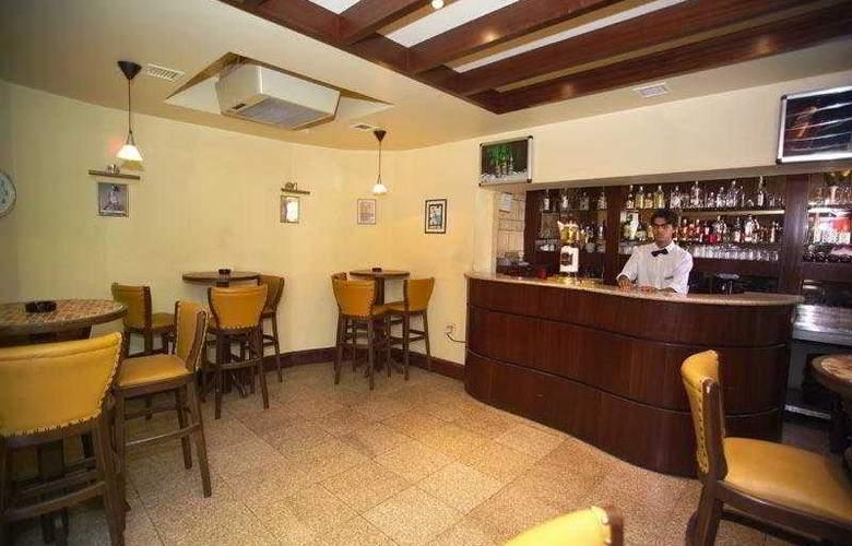 Al Manar - Bar - 4