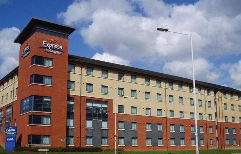 Holiday Inn Express London - Luton Airport - Hotel - 0