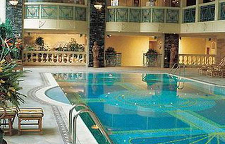 The Landmark Macau - Pool - 4