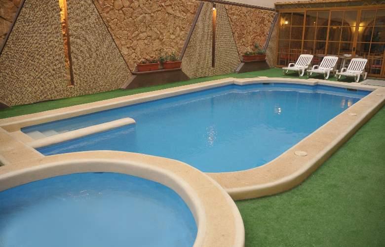 Soreda - Pool - 12