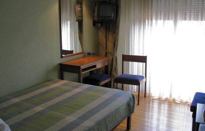 Alexandros - Room - 3