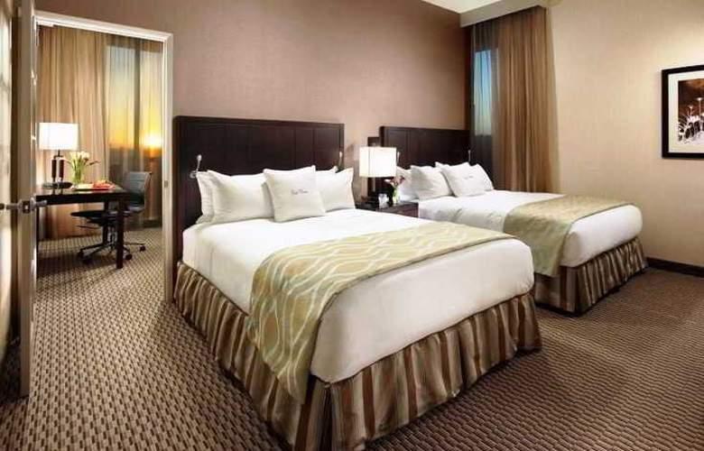 Doubletree Club Hotel San Diego - Pool - 10