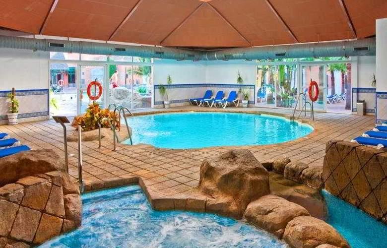 diverhotel Nautilus Roquetas - Pool - 8