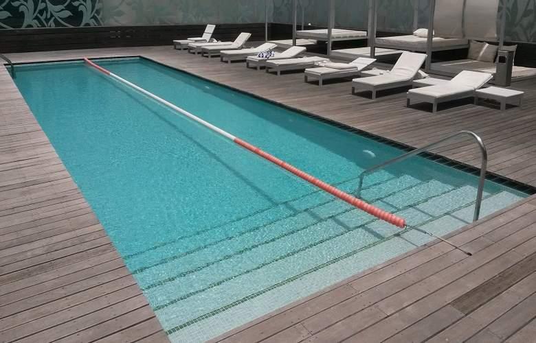 VIP Grand Lisboa - Pool - 3