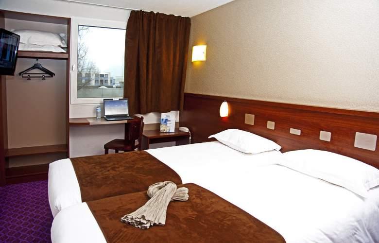 Brit Le Castel - Room - 5