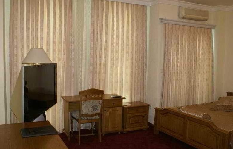Victory - Room - 2