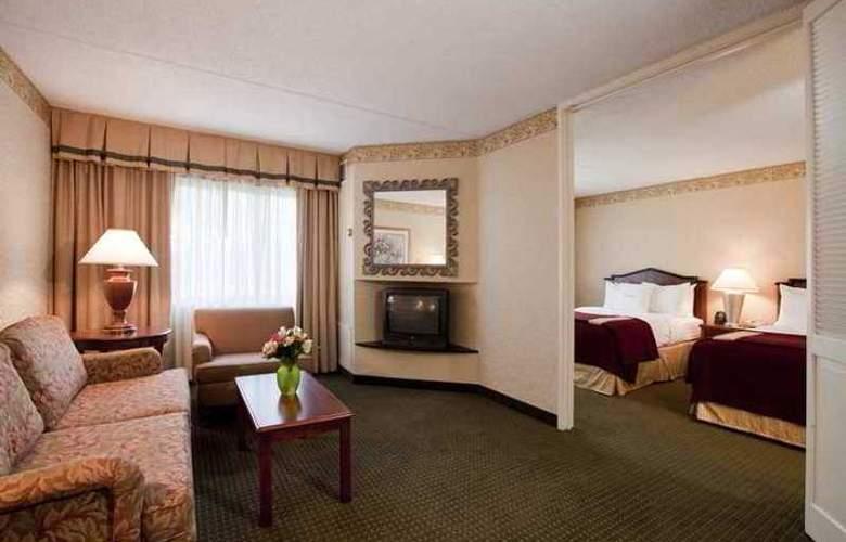 Doubletree Guest Suites Cincinnati Blue Ash - Hotel - 2