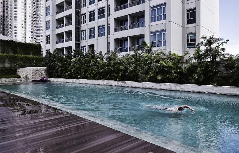 Pullman Jakarta Central Park - Pool - 18