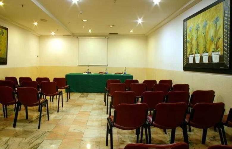 Catalonia Albeniz - Conference - 9