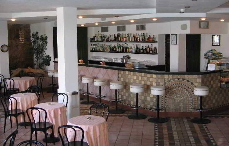 Calabona - Bar - 9