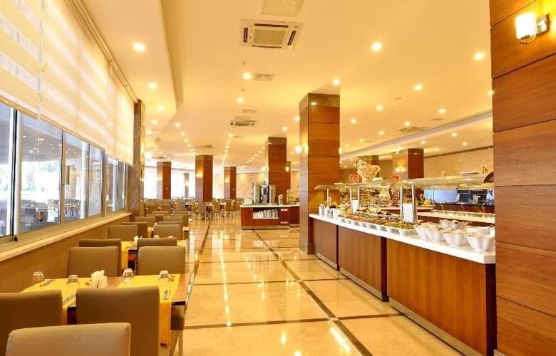 Ramada Resort Side - Restaurant - 35