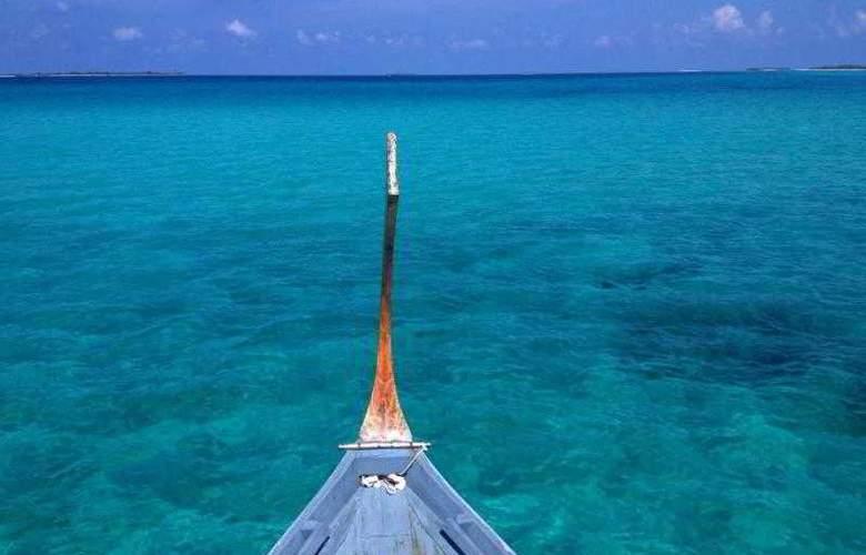 Palm Beach Resort & Spa Maldives - Hotel - 6