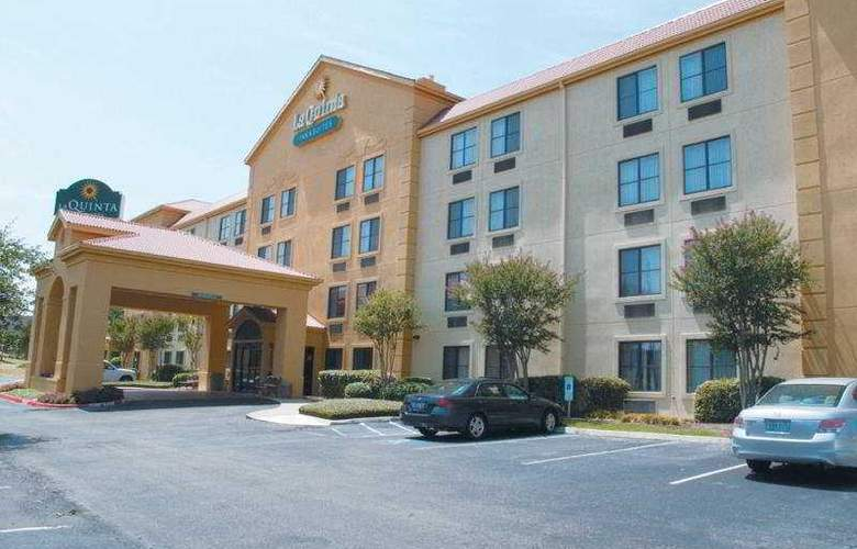 La Quinta Inn & Suites Round Rock South - Hotel - 0