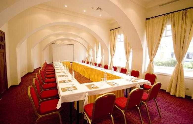 Medina Solaria - Conference - 8
