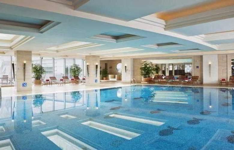 Crowne Plaza Fudan - Pool - 10