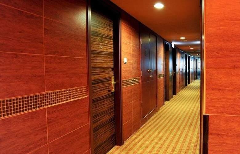 Best Western Grand - Hotel - 22