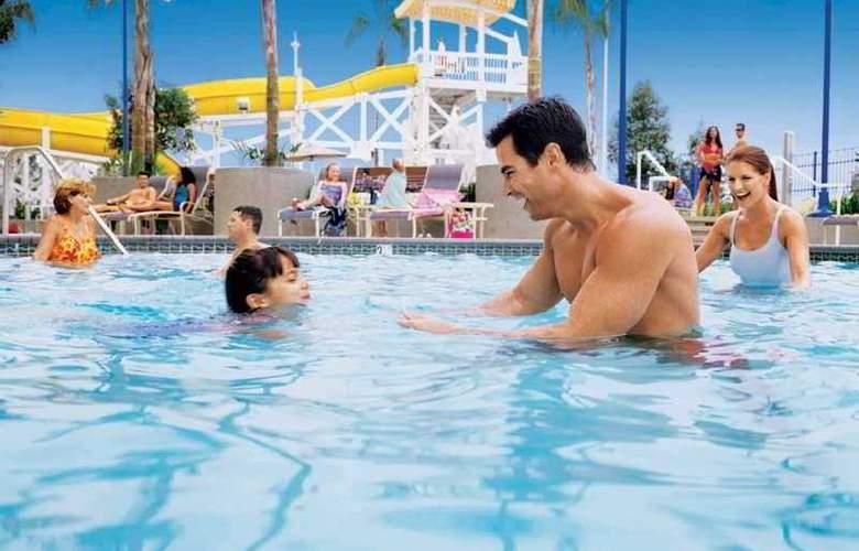 Disney Paradise Pier - Pool - 3