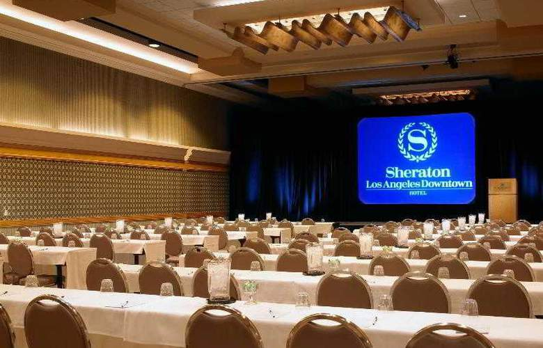 Sheraton Grand Los Angeles - Hotel - 9