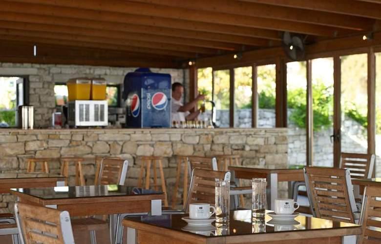 Mitsis Roda Beach Resort & Spa - Restaurant - 23