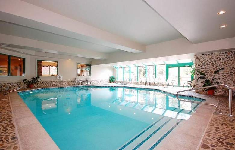 Best Western Plus Kentwood Lodge - Pool - 99