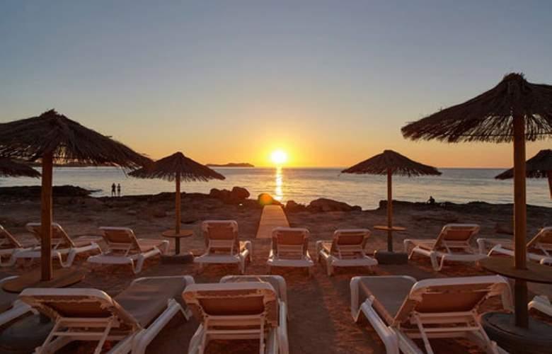 Nereida - Beach - 4