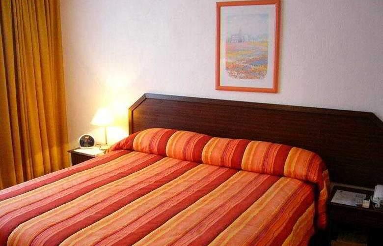 Alcala del Rio - Room - 3