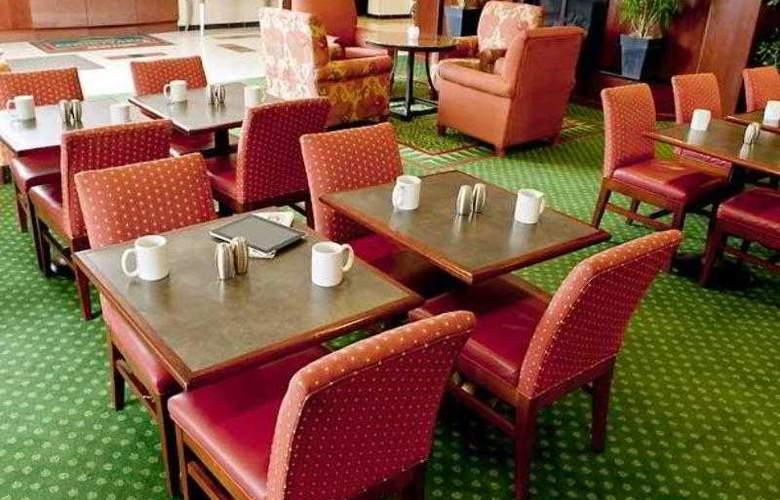 Courtyard Peoria - Hotel - 14
