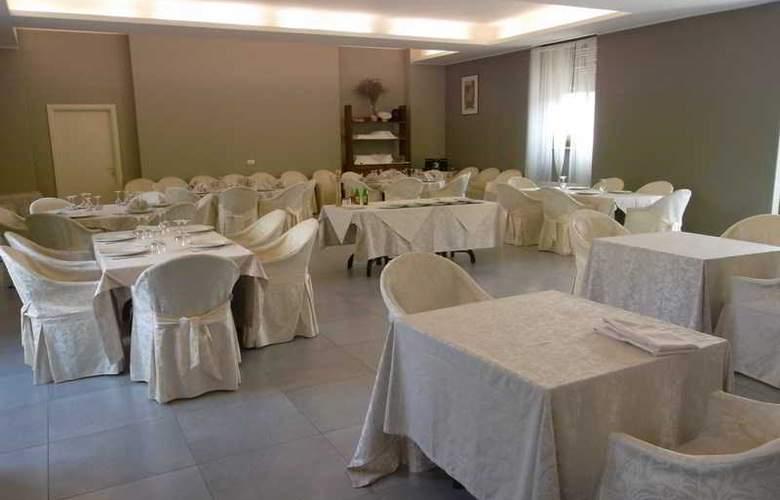 Grande Italia - Restaurant - 8