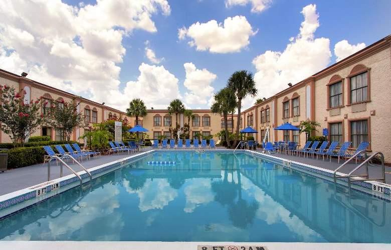 La Quinta Inn International Drive North - Pool - 29