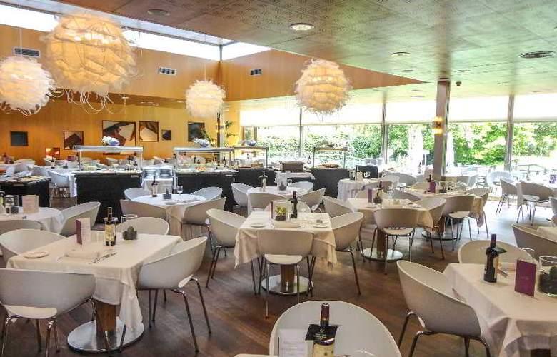 Ayre Gran Hotel Colon - Restaurant - 4