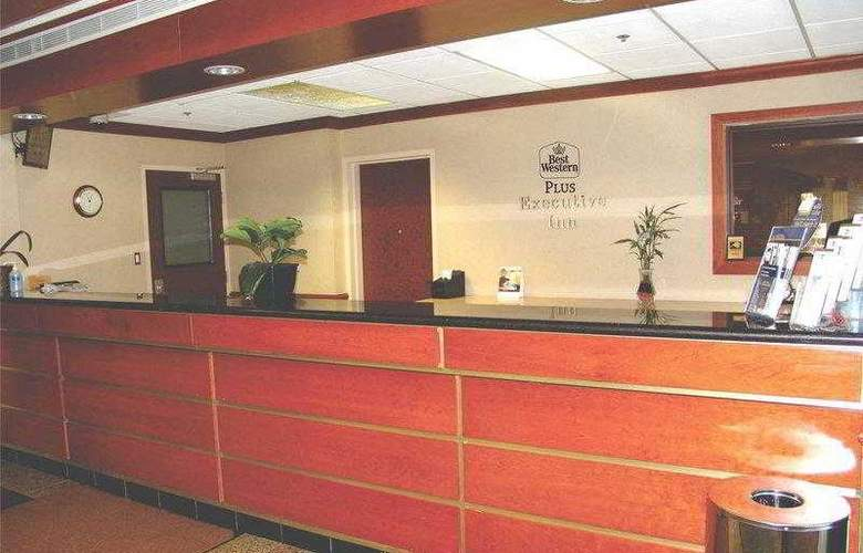 Best Western Plus Executive Inn Scarborough - Hotel - 17