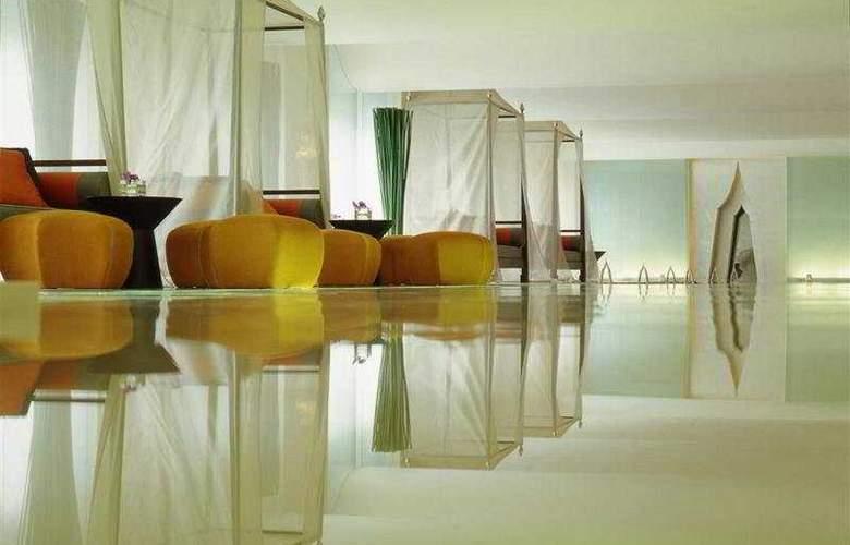 Dusit Thani Bangkok - Pool - 7