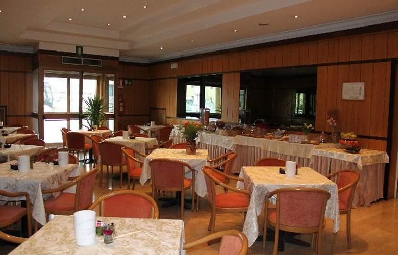Fortuna - Restaurant - 1