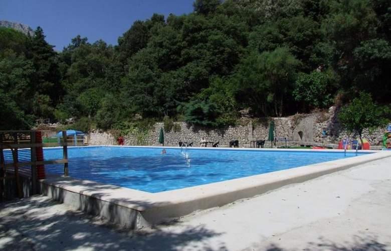 Santuario de Lluc - Pool - 2