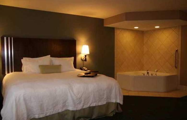 Hampton Inn & Suites Grafton - Hotel - 3