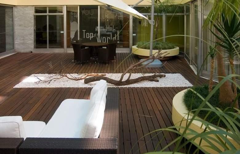 Hotel Flórida - Terrace - 4